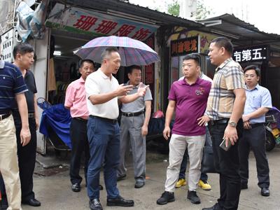 佘楚雄到凤新街道调研第二轮环卫市场化工作--直面存在问题  规范制度管理
