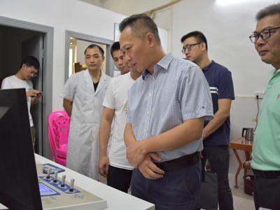 佘楚雄带队调研医疗卫生工作--补齐医疗短板 提升服务水平